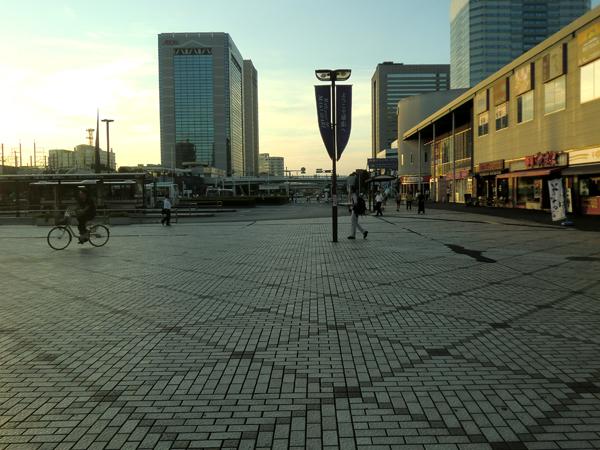 2011.09.09 幕張本郷駅前